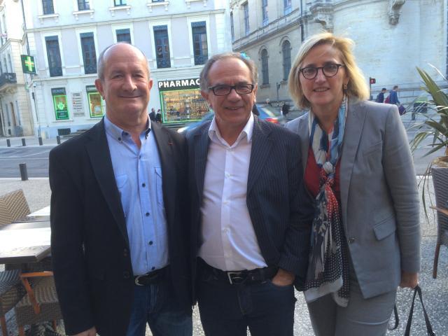 Françoise DUMAS, Députée du Gard, et Jean DENAT, Vice-président du Conseil général du Gard et Maire de Vauvert, aux côté d'Eric ANDRIEU,  députéeeuropéen sortant.