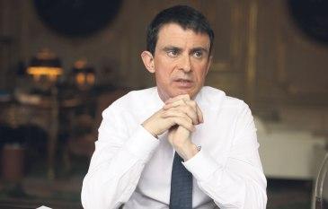 Manuel-Valls-dans-son-bureau-a-Matignon-en-mars-dernier